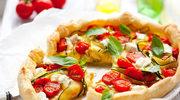 Tarta z jajkami, cukinią i pomidorami