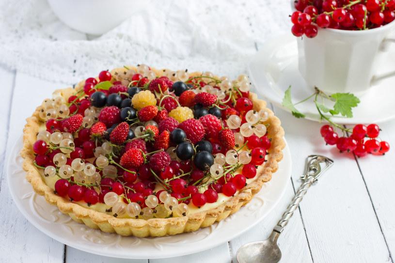 Tarta z owocami /123RF/PICSEL