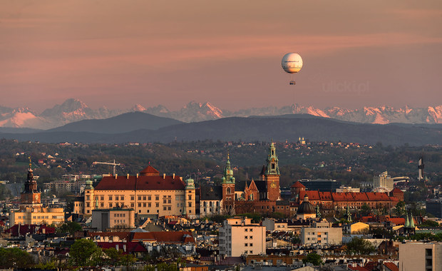 Tatry widoczne z Krakowa. Niesamowite zdjęcie!