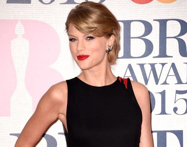 Taylor Swift koi nerwy i łagodzi obyczaje (fot. Ian Gavan) /Getty Images