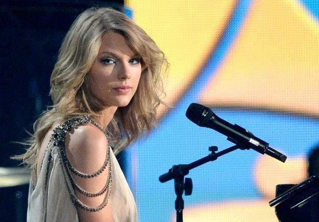Taylor Swift nie było w obrzuconym butelkami domu fot. Kevork Djansezian /Getty Images