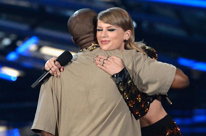 Taylor Swift tuż po wręczeniu Video Vanguard Award Kanye Westowi /Kevork Djansezian /Getty Images
