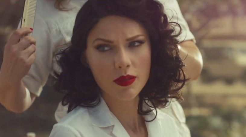 "Taylor Swift w teledysku ""Wildest Dreams"" /&nbsp /"
