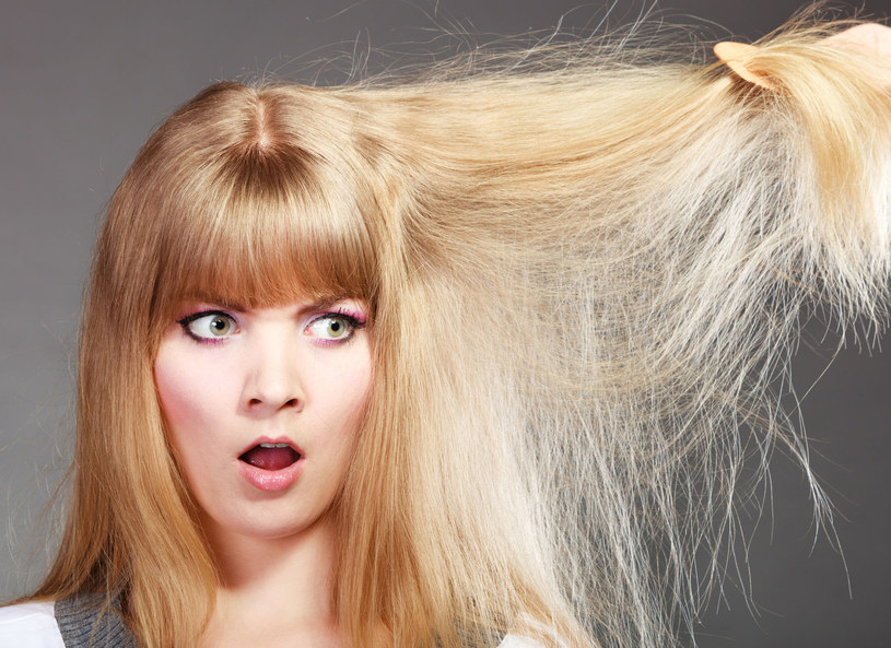 Te 7 nawyków to prosta droga do zniszczonych włosów /123RF/PICSEL