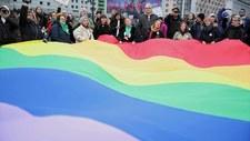 """Te małopolskie miasta mogą stracić pieniądze z UE przez """"strefy wolne od LGBT"""""""