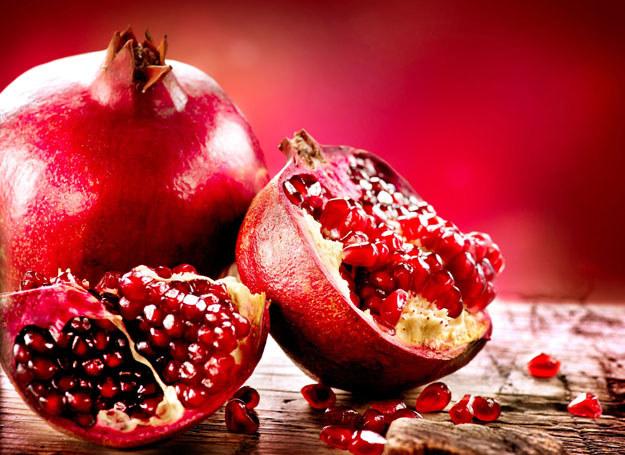 Te owoce zawierają bowiem cenne przeciwutleniacze, które ograniczają niekorzystny wpływ toksyn /123RF/PICSEL