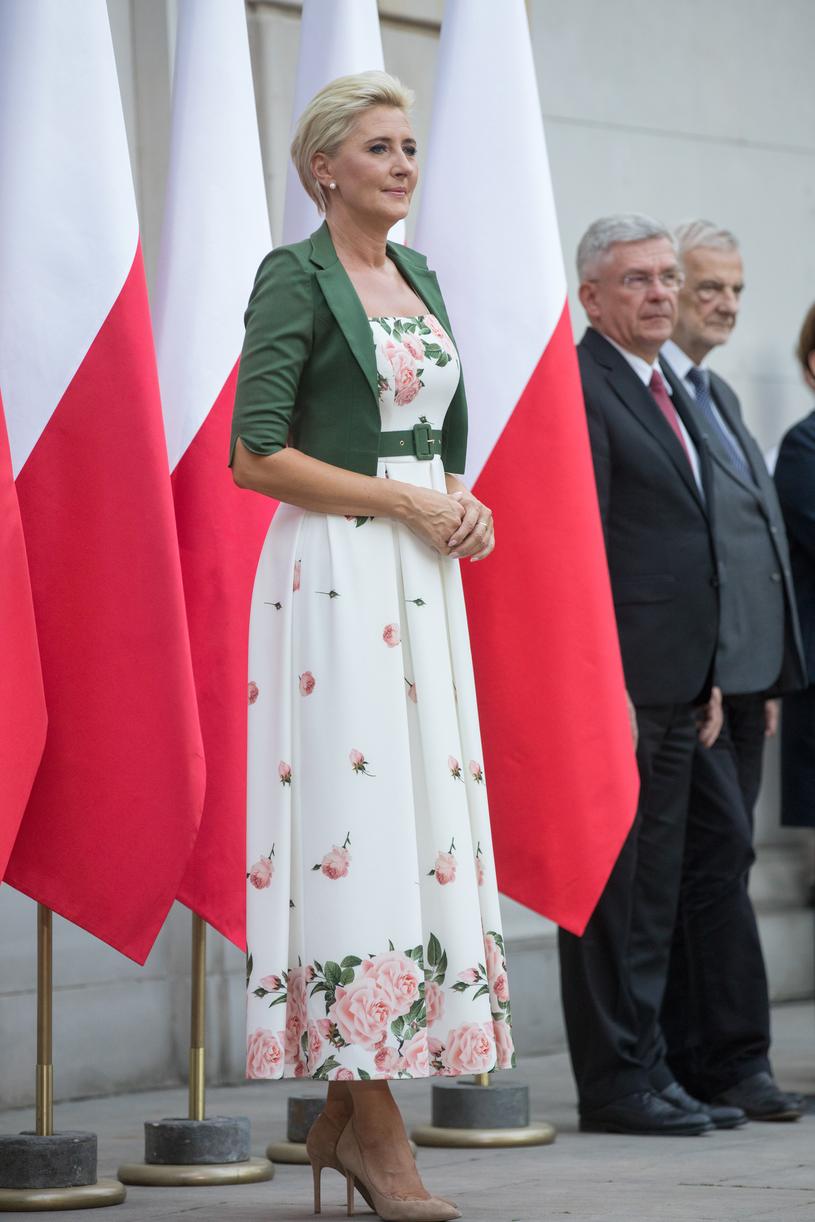 Tę sukienkę Agata Duda przekazała na licytację dla WOŚP /Andrzej Iwańczuk /Reporter