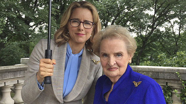 Tea Leoni (serialowa Elizabeth McCord) i Madeleine Albright /internet