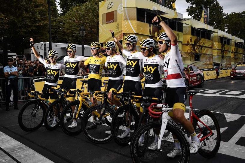 Team Sky po zwycięstwie Gerainta Thomasa w Tour de  France /MARCO BERTORELLO / AFP /AFP