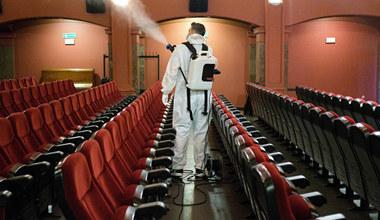 Teatry i kina na końcu kolejki. Świadectwo małej wyobraźni rządu