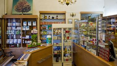 Technik farmaceuta odchodzi do lamusa. Leki mogą przez to podrożeć