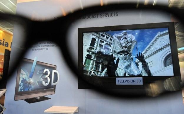 Technologia 3D może powodować u dzieci m.in. zaburzenia wzroku i równowagi. /AFP