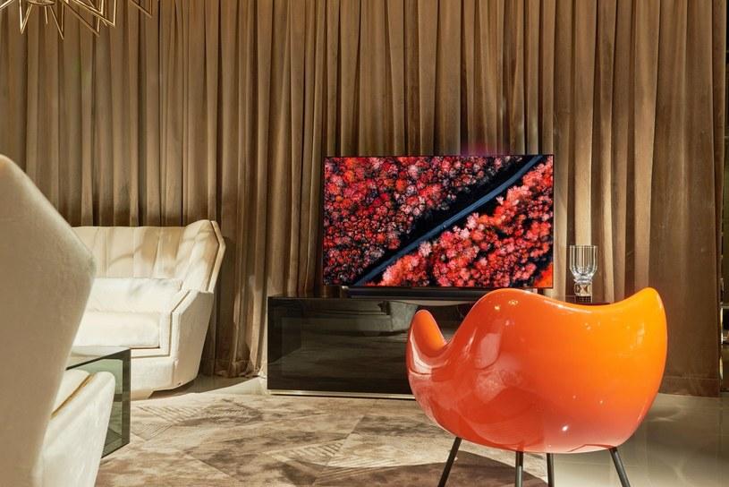 Technologia OLED sprawia, że zarówno kontrasty, jak i głęboka czerń są doskonale widoczne na ekranie /materiały promocyjne