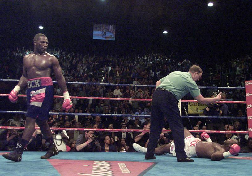 Tego niemal nikt się nie spodziewał. 19 lat temu Hasim Rahman znokautował Lennoksa Lewisa /Getty Images