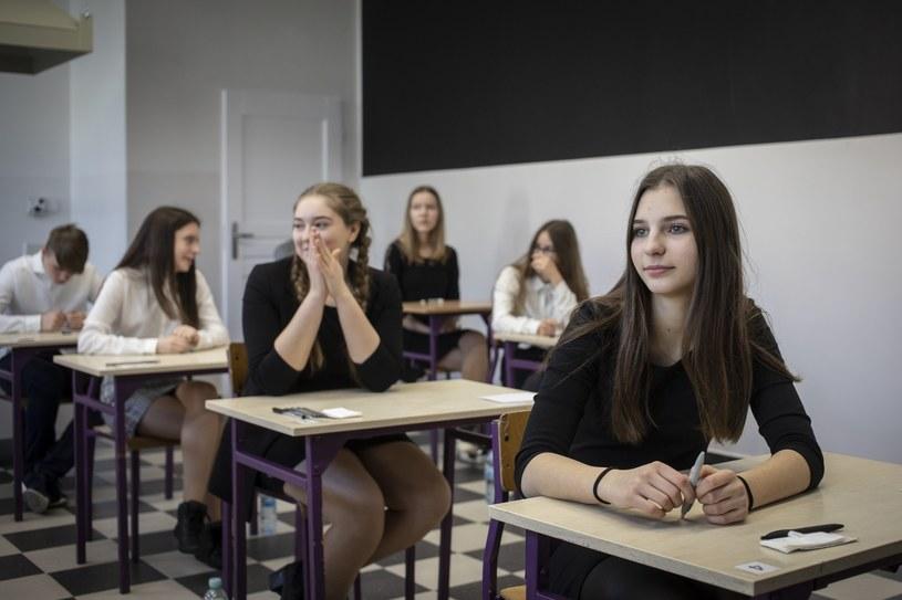 Tegoroczna sesja egzaminu gimnazjalnego była pierwszą w historii /Maciej Kosycarz/KFP/REPORTER /Reporter