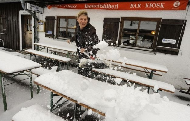 Tegoroczna zima była kosztowna /AFP