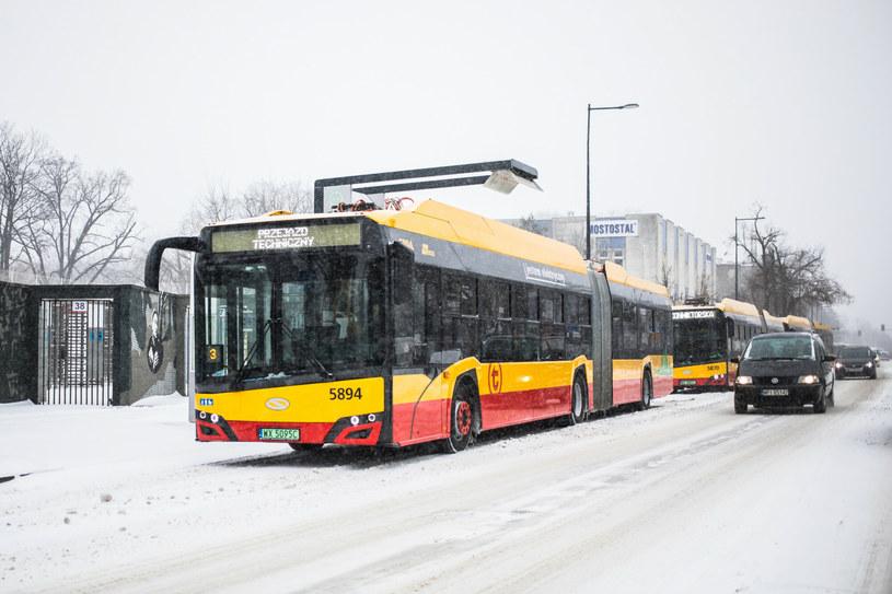 Tegoroczne mrozy mocno obnażyły słabe strony autobusów elektrycznych /Adam Burakowski /Reporter