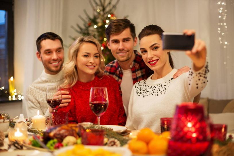 Tegoroczne święta odbędą się w kameralnym gronie najbliższej rodziny /123RF/PICSEL