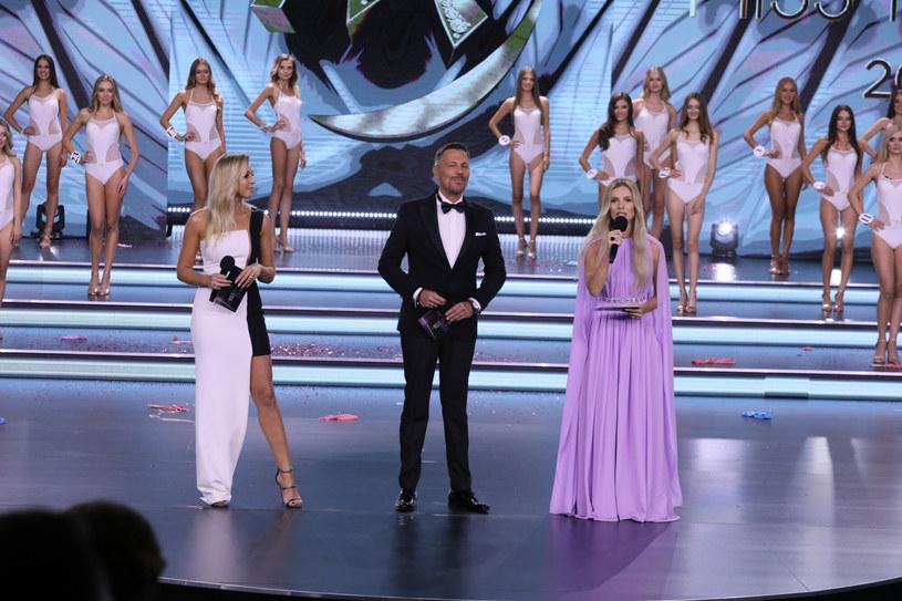 Tegoroczni prowadzący gali finałowej konkursu Miss Polski 2021: Ilona Krawczyńska, Krzysztof Ibisz i Izabela Janachowska /East News