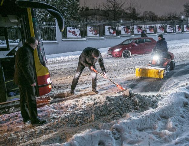 """Tegoroczny """"atak zimy"""". 8.02.2021 na ulicach Warszawy /MAREK BEREZOWSKI/REPORTER /Agencja SE/East News"""