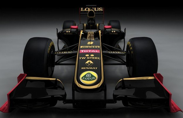 Tegoroczny bolid Renault w nowym malowaniu /