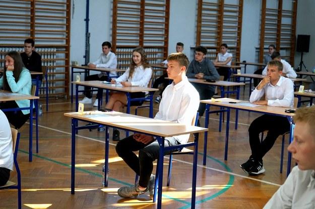 Tegoroczny egzamin ósmoklasisty w Sportowej Szkole Podstawowej Centrum Mistrzostwa Sportowego w Szczecinie / Marcin Bielecki    /PAP