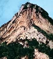 Tektoniczne deformacje: fałdowanie, Alpy /Encyklopedia Internautica