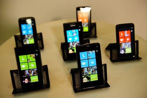 Telefony z systemem Windows Phone 7 /AFP