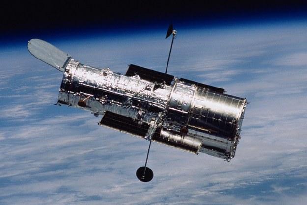 Teleskop Hubble'a sfotografowany podczas misji serwisowej w 2002 roku /NASA /Materiały prasowe