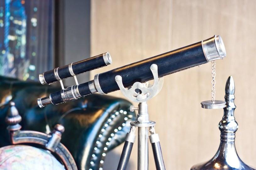 Teleskop pozwala odkryć, to czego golym okiem nie widać /123RF/PICSEL
