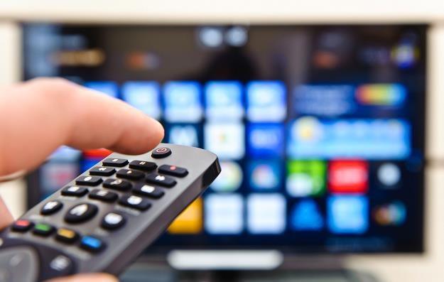 Telewizja pożegna reklamy banków? /©123RF/PICSEL