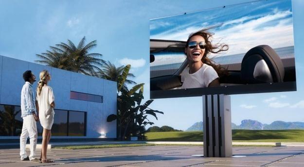 Telewizor Porsche prezentuje się świetnie /materiały prasowe