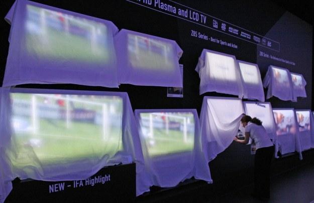 Telewizory plazmowe wyposażone w tough panel są bardziej odporne na uszkodzenia niż ekrany LCD /AFP