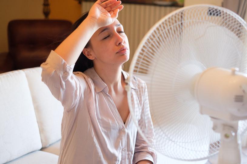 Temperatura w pomieszczeniu może mieć ogromny wpływ na naszą zdolność uczenia się i bycia produktywnym /123RF/PICSEL