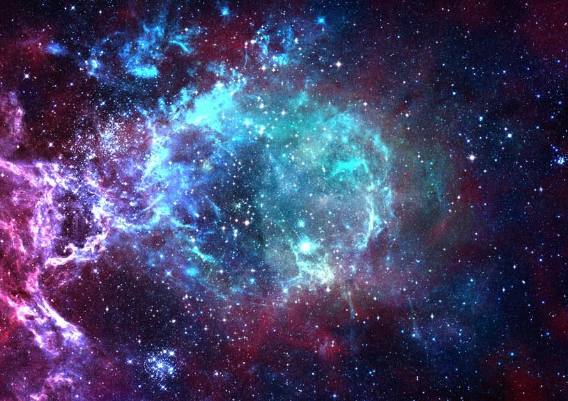 Temperatura Wszechświata ciągle rośnie /123RF/PICSEL