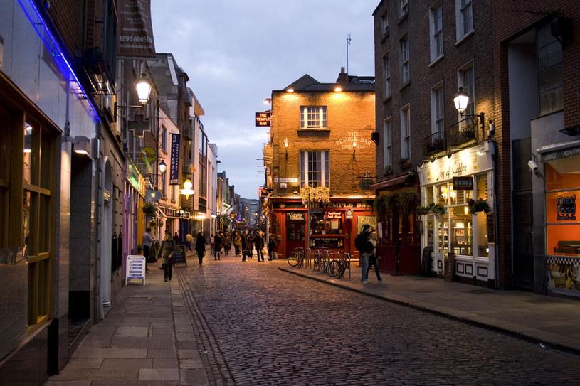 Temple Bar - najbardziej rozrywkowa dzielnica Dublina /123RF/PICSEL