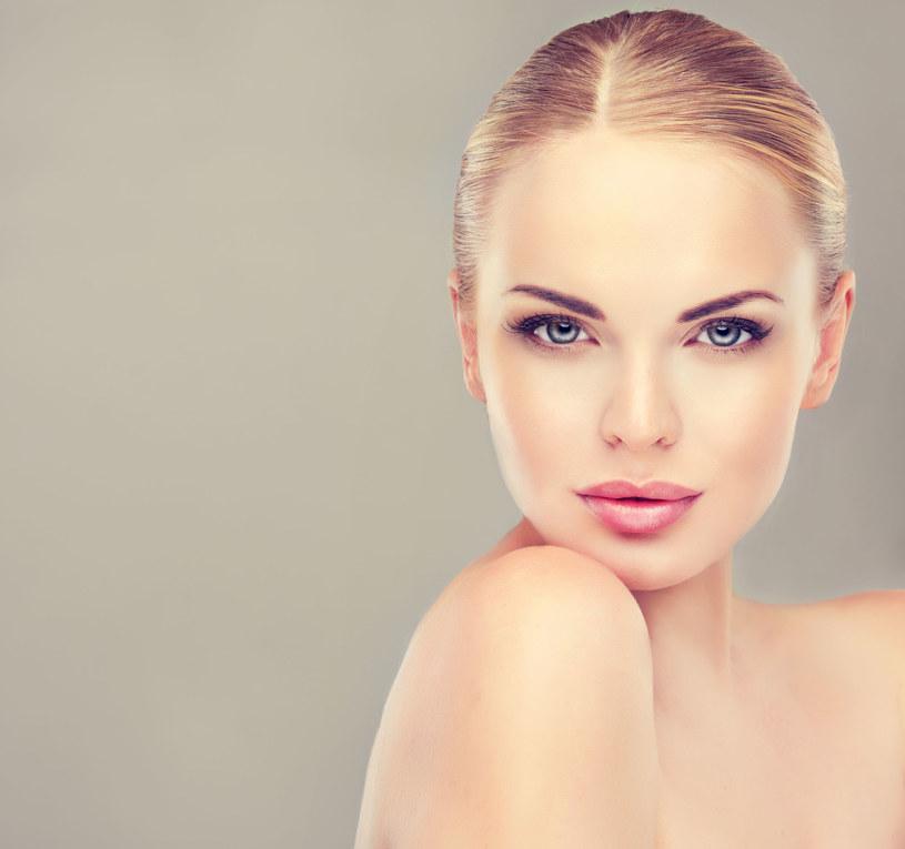 Ten makijaż odejmie ci lat. Sprawdź, jak go wykonać? /123RF/PICSEL