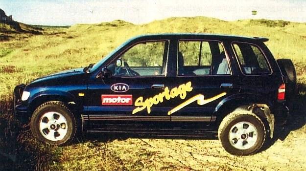 Ten model marki Kia stanowi coś pośredniego między minivanem, wozem terenowym i autem klasy średniej. Odznacza się sporym rozstawem osi, wynoszącym 2,65 m. /Motor