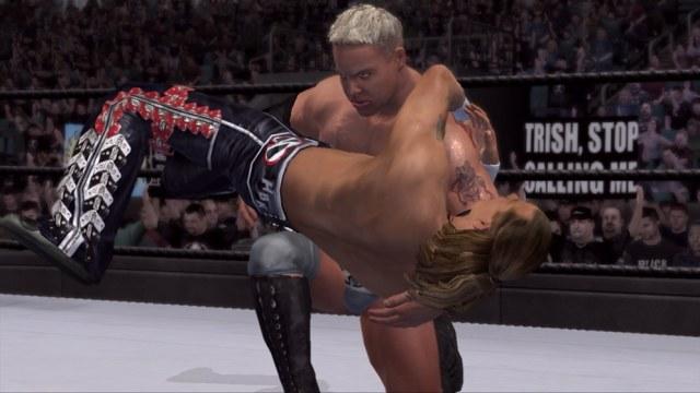 Ten pan już nie powinien wstać o własnych siłach, na szczęście, to tylko Wrestling /INTERIA.PL