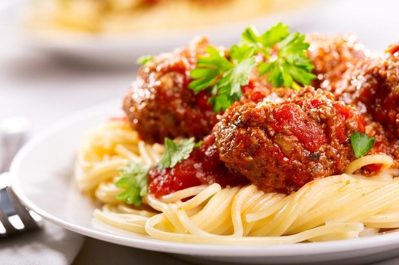 Ten pyszny obiad przygotujesz w godzinę /123RF/PICSEL