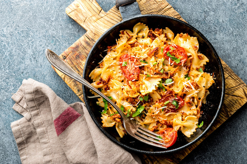 Ten smaczny obiad przygotujesz w zaledwie 20 minut /123RF/PICSEL