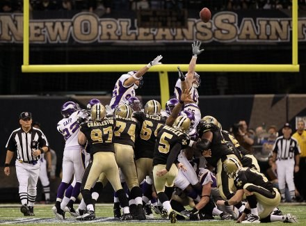 Ten strzał Garretta Hartleya dał Saints awans do Super Bowl/Fot. Jed Jacobsohn /Getty Images/Flash Press Media