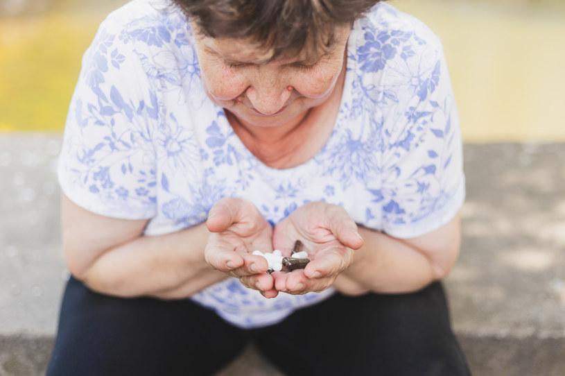 Tendencja do gromadzenia leków wzrasta zazwyczaj wraz z wiekiem /123RF/PICSEL