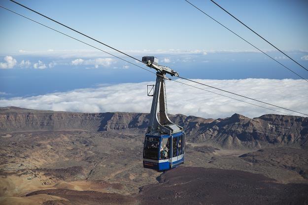 Teneryfa, Wyspy Kanaryjskie. Kolejka na wulkan El Teide. Fot. Dan Kitwood, Getty Images /
