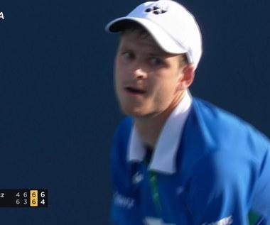 Tenis. Hurkacz wygrał po zaciętym boku z Raoniciem na turnieju w Miami - skrót. Wideo