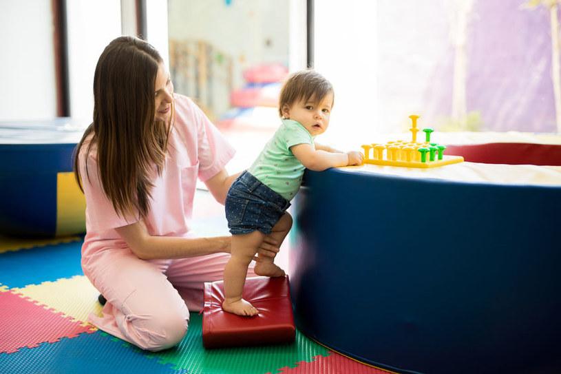Terapia powinna pomagać, nie szkodzić dziecku. Często jest inaczej /123RF/PICSEL