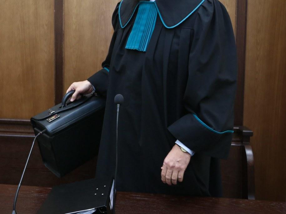 Teraz każdy będzie mógł dostać adwokata z urzędu. /Rafał Guz /PAP