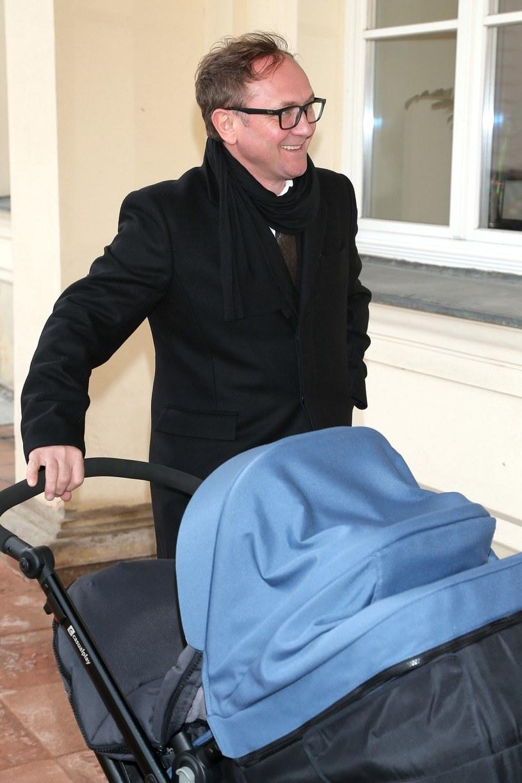 Teraz najważniejsza jest dla niego rodzina! /Paweł Wrzecion /MWMedia