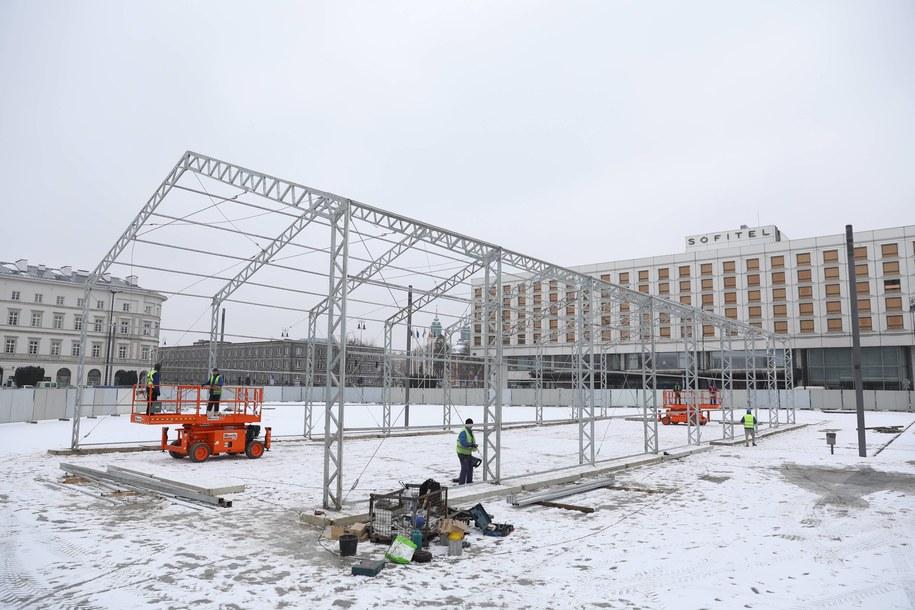 Teren, na którym ma stanąć pomnik smoleński w Warszawie /Rafał Guz   /PAP