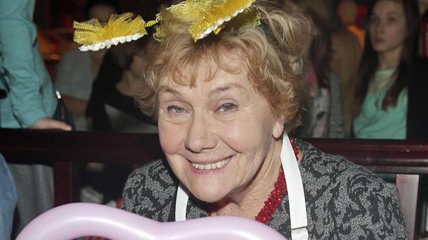 Teresa Lipowska przyznaje, że w Dniu Babci nie dostaje specjalnych prezentów /AKPA
